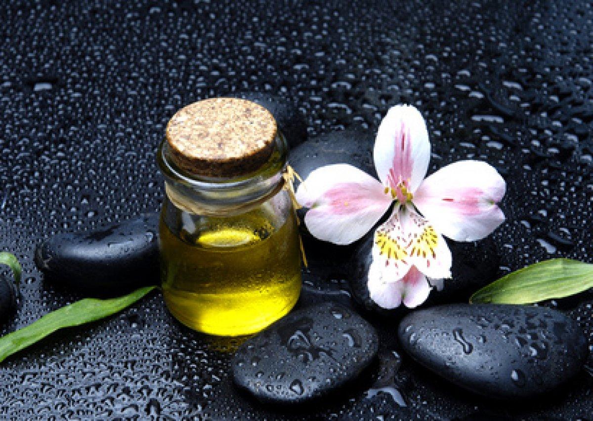 parfum bougie mono utilisable en cosmetique. Black Bedroom Furniture Sets. Home Design Ideas